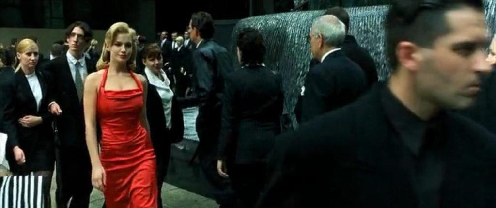 Женщина в красном матрица работа для девушке оман